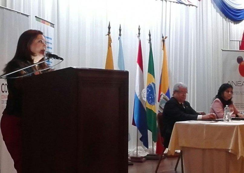 la-ministra-marta-lafuente-durante-la-inauguracion-del-primer-congreso-nacional-de-educacion-superior-_807_573_1244899